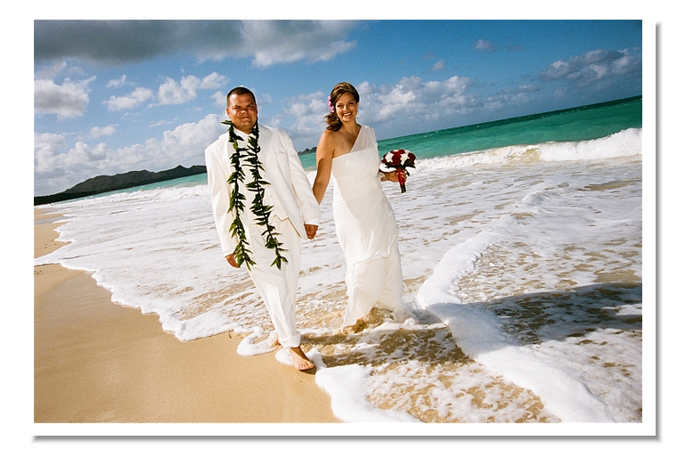 Oahu wedding packages wedding photographer planners in oahu walking on the beach at sherwoods oahu wedding packages junglespirit Images