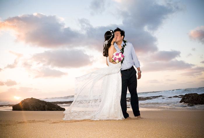 "waves-wedding-2 The ""BEST"" Things to Do Week In Hawaii"