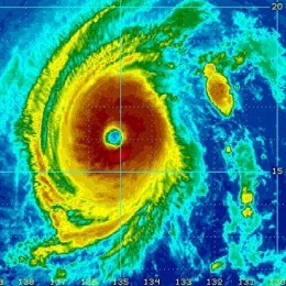 Hurricane Iselle:  Near Miss or Direct Hit to Hawaii UPDATED!