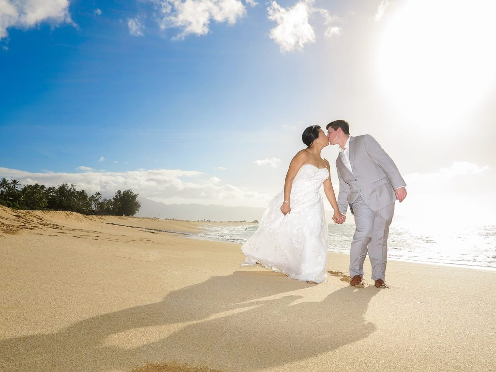 Dream weddings hawaii oahu hawaii wedding packages hawaii wedding tips youre getting married in hawaii now who pays for everything junglespirit Image collections