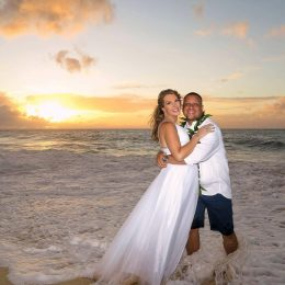 Is Eloping in Hawaii Stressful?  uh…Good Question