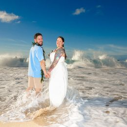 Hawaii Winter Beach Weddings Equal Big Waves!